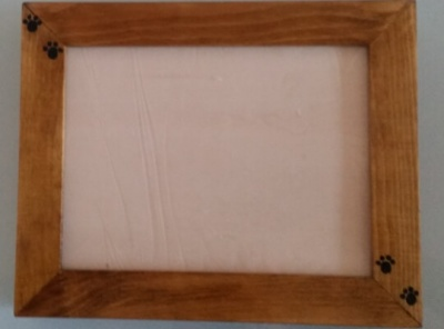 Urne cinéraire en bois et cadre photo