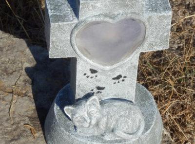 Lanterne funéraire chat