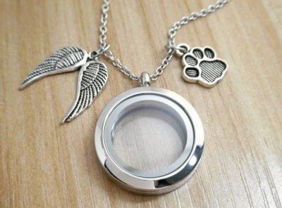 Medaillon collier souvenir
