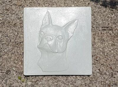 "Plaque tombale décorative ""Bouledogue"""